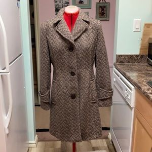 brand new condition 50% wool dressy coat
